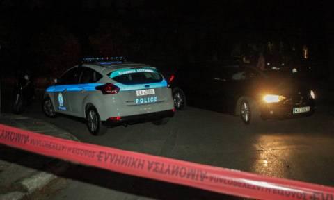 В Афинах 33-летнюю женщину  расстреляли из автомата Калашникова