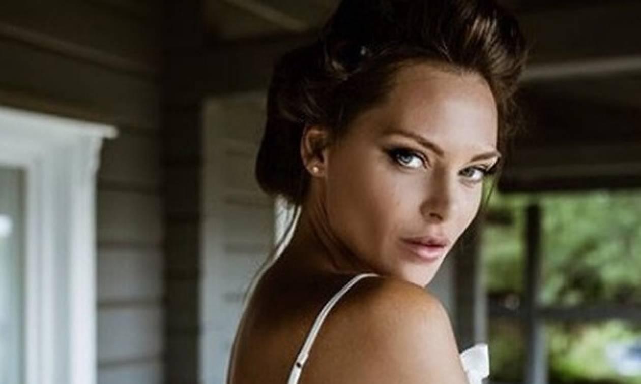 Mέχρι κι εμείς δακρύσαμε: Η Yβόννη Μπόσνιακ δημοσίευσε την πιο συγκινητική στιγμή του γάμου