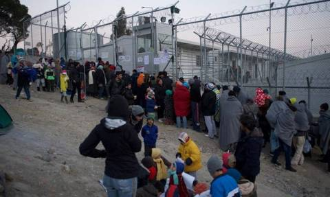 Process to relieve overcrowding at Moria hotspot underway