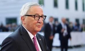 Γιούνκερ: Ε.Ε. και Βρετανία πρέπει να συμπεριφέρονται... σαν δύο ερωτευμένοι σκαντζόχοιροι