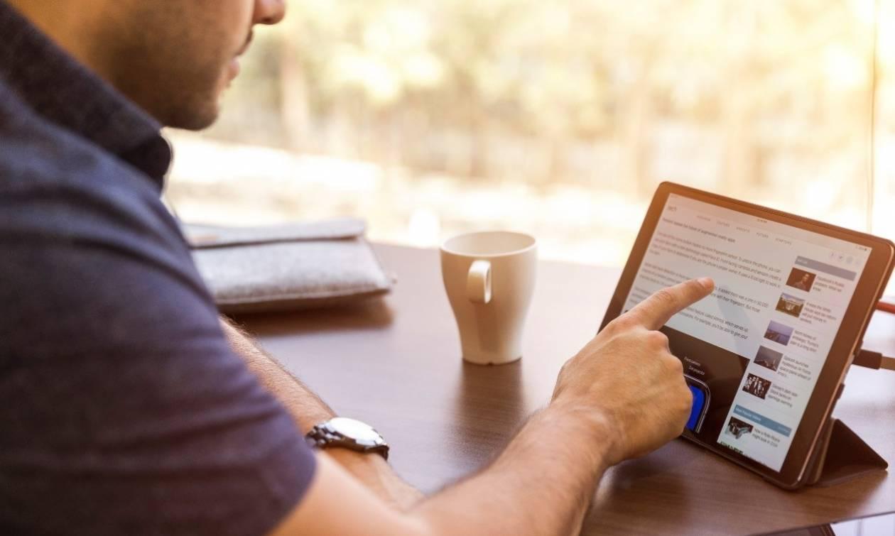 Αδύναμο σήμα WiFi στο σπίτι; Μάθε τι κάνεις λάθος και πώς μπορείς να το διορθώσεις!