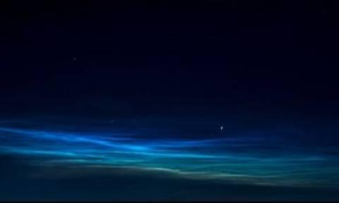 Εντυπωσιακό βίντεο: Η NASA κατέγραψε εικόνες από σπάνια μπλε σύννεφα!
