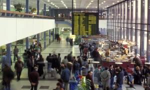 Συναγερμός στο αεροδρόμιο του Βερολίνου λόγω επίθεσης σε αστυνομικούς – Φορούσε γιλέκο με καλώδια