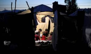 Politico: Έρευνα της ΕΕ για πιθανή κακοδιαχείριση προσφυγικών κονδυλίων στην Ελλάδα