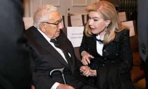 Μαριάννα Βαρδινογιάννη: Η συνάντηση με τον Κίσινγκερ στα βραβεία «Appeal of Conscience» (pics)