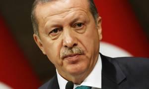 Γερμανία: Με ευθείες κατηγορίες για υπόθαλψη τρομοκρατών η ομιλία του Ερντογάν στο επίσημο δείπνο
