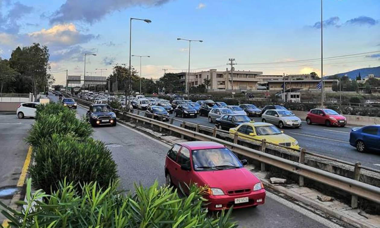 Κυκλοφοριακό «έμφραγμα» στους δρόμους της Αθήνας - Στα «κόκκινα» η Αθηνών - Λαμίας