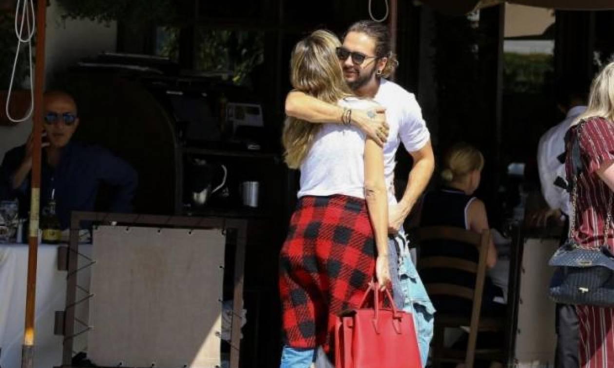 Η Heidi Klum σε τρυφερές στιγμές με τον σύντροφό της
