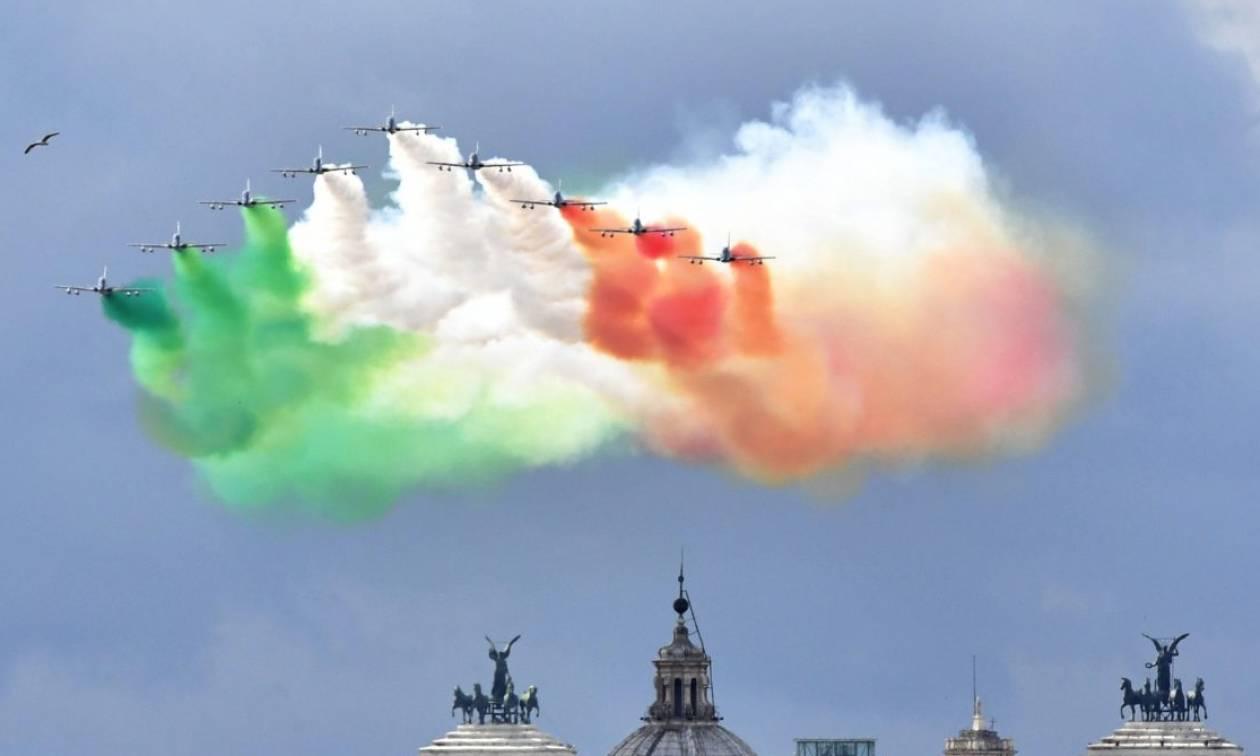 Οικονομικό χάος στην Ιταλία και δραματική προειδοποίηση Γιούνκερ για το τέλος του ευρώ