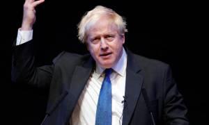 Brexit: Ο Τζόνσον καλεί τους Συντηρητικούς να «ξεφορτωθούν» το σχέδιο Τσέκερς
