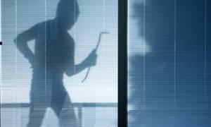 Κρήτη: Όπου έβλεπε παράθυρο... έμπαινε - 19χρονος κατηγορείται για… 61 κλοπές!