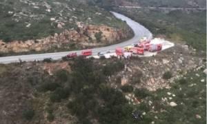 Συναγερμός στην Πεντέλη: Αυτοκίνητο έπεσε σε γκρεμό - Τραυματίστηκε η οδηγός
