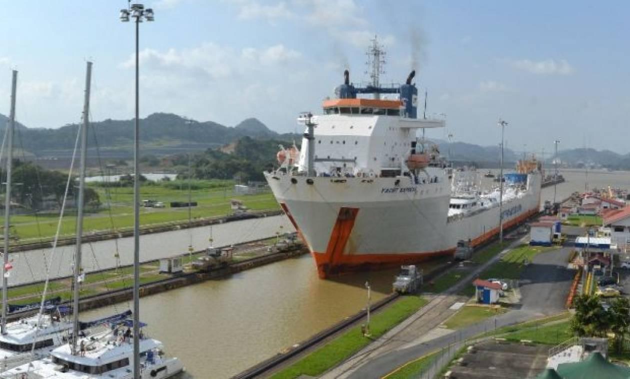 Απίστευτο! Δείτε πως περνούν τα καράβια τη διώρυγα του Παναμά (vid)