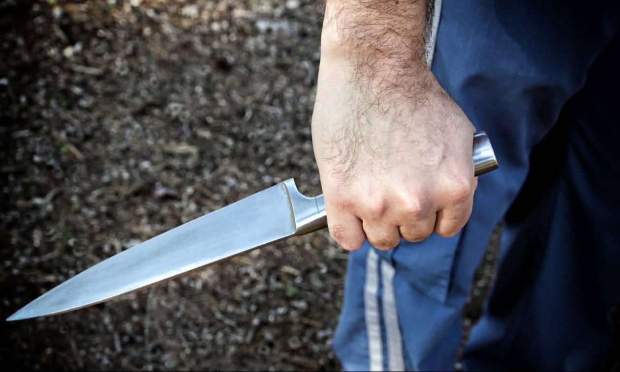 Αιματηρός καβγάς σε κεντρικό ξενοδοχείο της Πάτρας: Τον τραυμάτισε με μπαλτά και εξαφανίστηκε