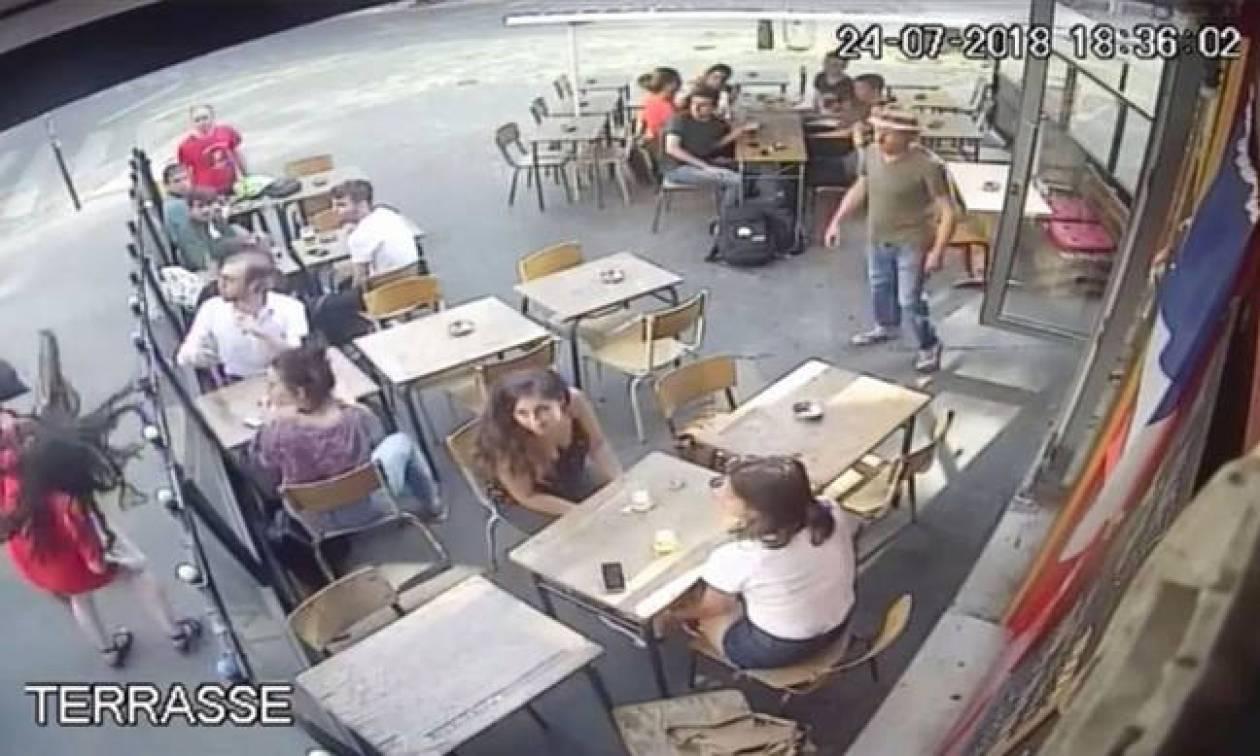 Γαλλία: Ποινή φυλάκισης 6 μηνών στον άνδρα που γρονθοκόπησε γυναίκα έξω από καφέ (vid)