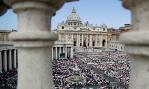 Αμερικανός μήνυσε το Βατικανό - Ζητά όλα τα ονόματα των κατηγορούμενων ιερέων παγκοσμίως