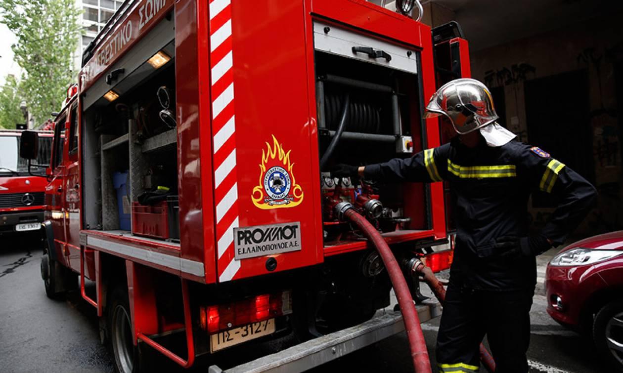 Φωτιά σε κτήριο στο Μεταξουργείο
