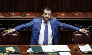 Τους γλεντάει ο Ιταλός: Απειλή Σαλβίνι προς Βρυξέλλες και Βερολίνο - «Θα κλείσουμε τα αεροδρόμια»