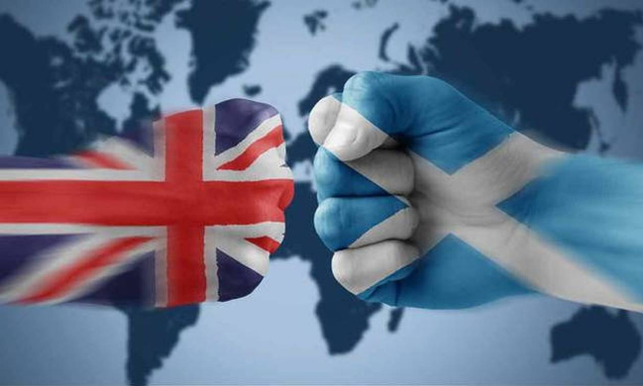 Σε «αχαρτογράφητα νερά» η Βρετανία: Η Βουλή της Σκωτίας έτοιμη να «τινάξει» το Brexit στον αέρα