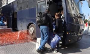 Θεσσαλονίκη: Στα Διαβατά οδηγούνται οι μετανάστες που είχαν κατασκηνώσει στην πλατεία Αριστοτέλους