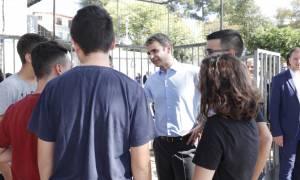 Μητσοτάκης για Σκοπιανό: Εθνική οπισθοχώρηση η εκχώρηση γλώσσας και εθνότητας