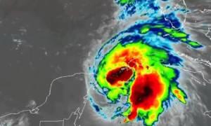 Αυτός είναι ο καινούργιος τυφώνας που απειλεί τις ΗΠΑ (vid)