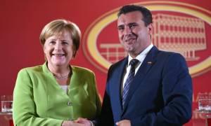 Στην «κόψη του ξυραφιού» το Σκοπιανό: Μέρκελ καλεί Ζάεφ να κυρώσει τη Συμφωνία των Πρεσπών