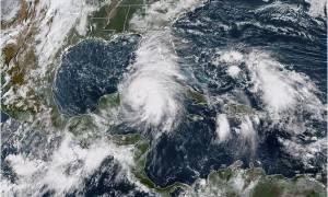 SOS για τον κυκλώνα-τέρας Μάικλ: «Φύγετε δεν θα επιζήσει κανείς» - Προβλέπεται «βιβλική καταστροφή»