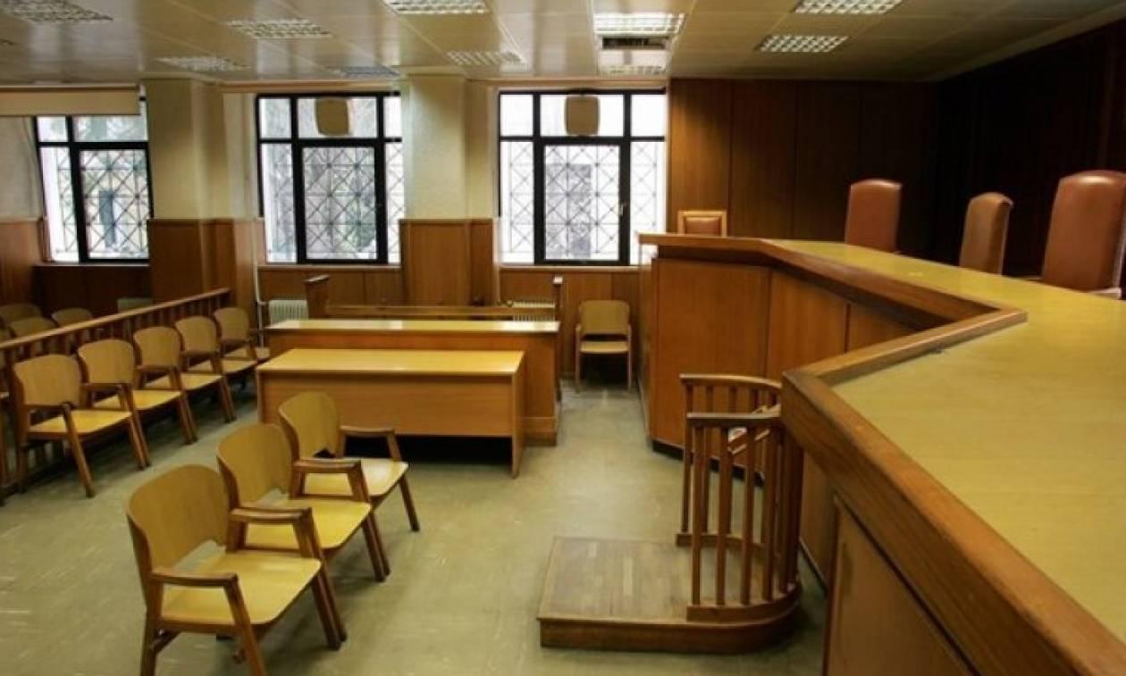 Μυτιλήνη: Διεκόπη για το Φλεβάρη η δική του επιχειρηματία που κατηγορείται για παρενόχληση μαθητριών