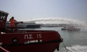 Πέραμα: Φωτιά στο επιβατικό πλοίο «Μεγαλόχαρη»