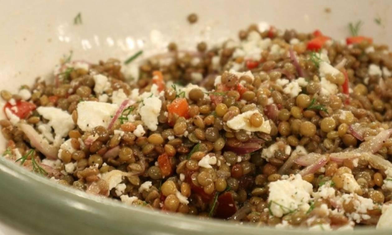Εύκολη συνταγή για σαλάτα με φακές του Τσούλη