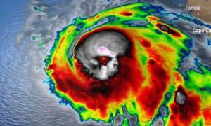 SOS για τον τυφώνα-τέρας Μάικλ: «Βρείτε καταφύγιο ΤΩΡΑ. Το νερό θα καλύψει τη στέγη του σπιτιού σας»