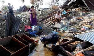 Ινδονησία: Περισσότεροι από 2.000 οι νεκροί - Νέο σοκαριστικό βίντεο από το φονικό τσουνάμι
