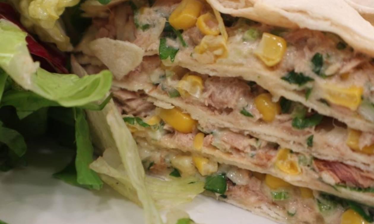 Η συνταγή της ημέρας: Quesadillas με καπνιστό τόνο και καλαμπόκι