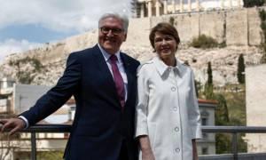 Ο Σταϊνμάιερ πάτησε Ελλάδα, αλλά το «ξέκοψε» ήδη για τις γερμανικές αποζημιώσεις (video)