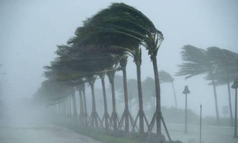 Έρχεται «βιβλική καταστροφή»: Ο κυκλώνας–τέρας Μάικλ χτυπά με μανία τη Φλόριντα - Δείτε LIVE εικόνα