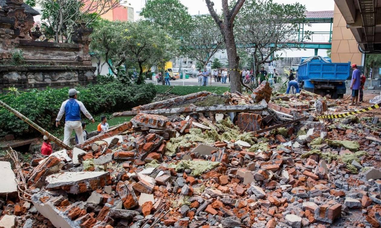 Νεός σεισμός 6 Ρίχτερ συγκλόνισε την Ινδονησία