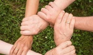 Επίδομα μέχρι 600 ευρώ το χρόνο: Ξεκίνησαν οι αιτήσεις - Αυτές οι οικογένειες το δικαιούνται