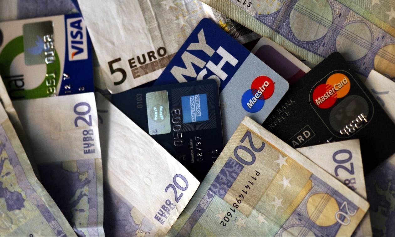 Αποδείξεις με κάρτα: Ποιοι κινδυνεύουν με χαράτσι 22% - Πώς να γλιτώσετε τον επιπλέον φόρο
