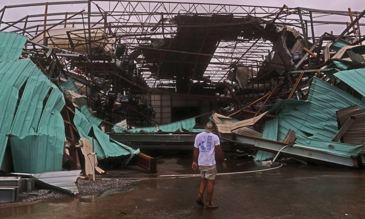 ΗΠΑ: Δύο νεκροί από το φονικό πέρασμα του τυφώνα Μάικλ (pics+vids)
