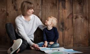 ΟΠΕΚΑ: Είσαι μητέρα; Δες αν δικαιούσαι το επίδομα των 1.000 ευρώ