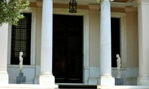 «Κεραυνοί» Μαξίμου κατά Μητσοτάκη: Τζόκερ η Σπυράκη, αρλεκίνος ο Γεωργιάδης