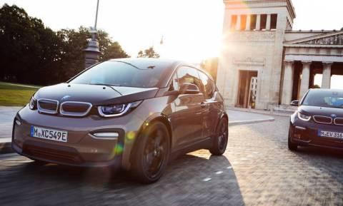 Αυτοκίνητο: Γιατί η BMW καταργεί την έκδοση της i3 με το βοηθητικό κινητήρα;
