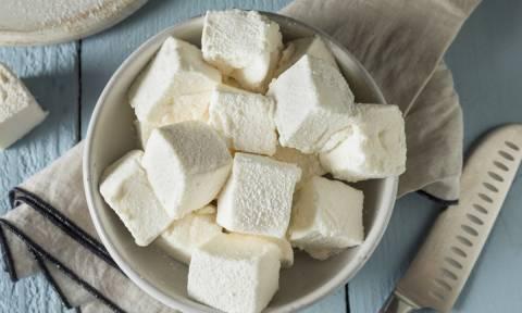 Κάντε έκπληξη στα παιδάκια σας και φτιάξτε τους σπιτικά Marshmellows! (vid)