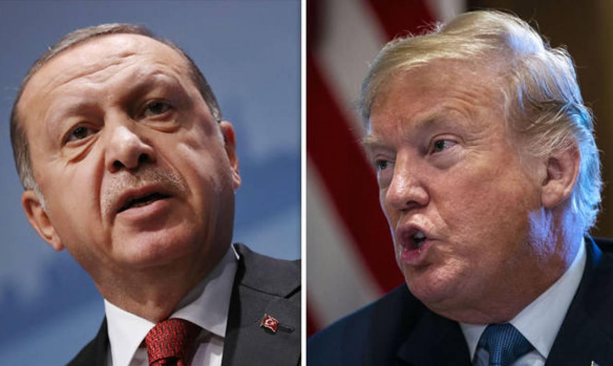 Επινίκιος Τραμπ: «Ο πάστορας επιστρέφει στην πατρίδα μας από την Τουρκία»
