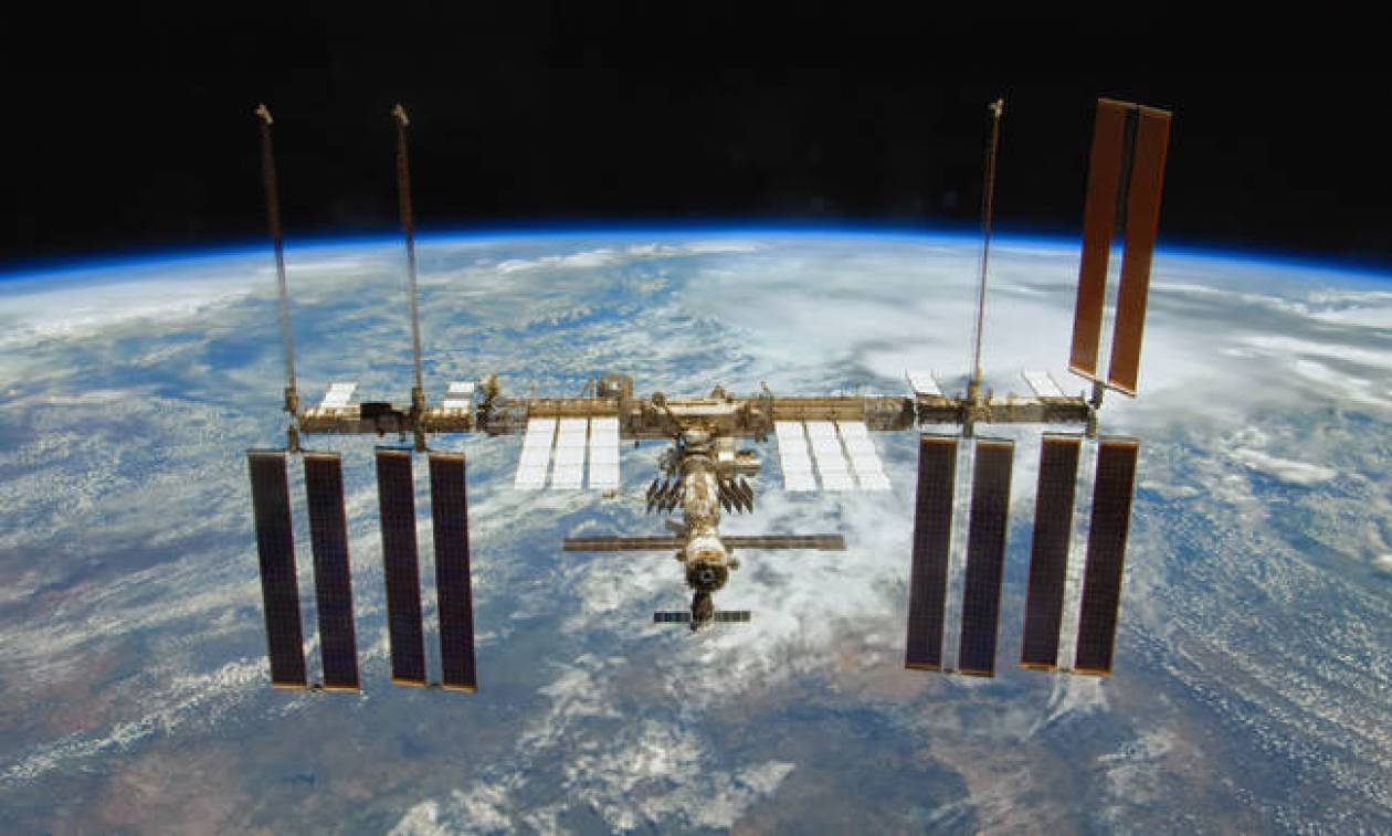 Επείγουσα διαστημική αποστολή στον Διεθνή Διαστημικό Σταθμό ετοιμάζει η Ρωσία – Τι συνέβη