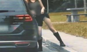 Γνωστή ηθοποιός χωρίς εσώρουχο σήκωσε τη φούστα της σε τρεις άνδρες και ακολούθησε ο εφιάλτης της!