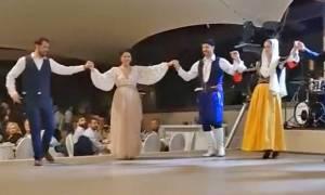 Όμορφες στιγμές: Χόρεψαν τον πιο ωραίο χορό της ζωής τους στην Κρήτη!