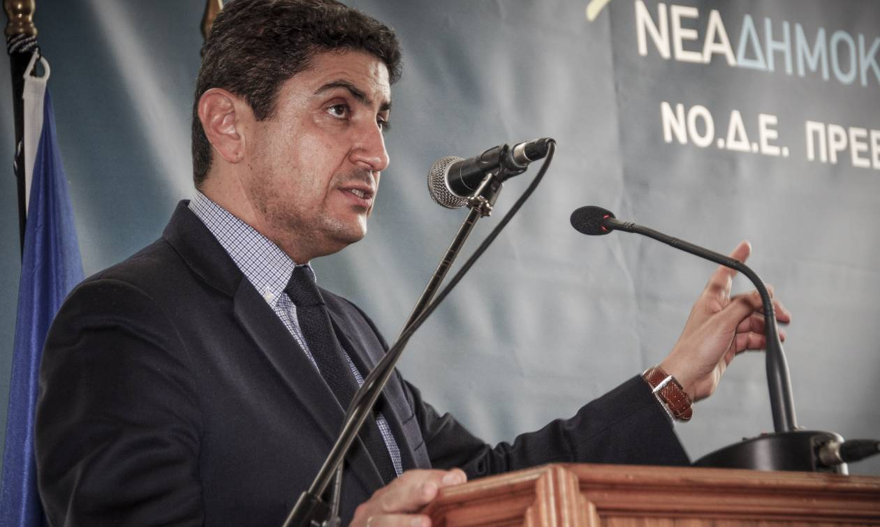 Αυγενάκης: Η χώρα έχει δύο υπουργούς Εξωτερικών, δύο αρχηγούς, δύο προϋπολογισμούς