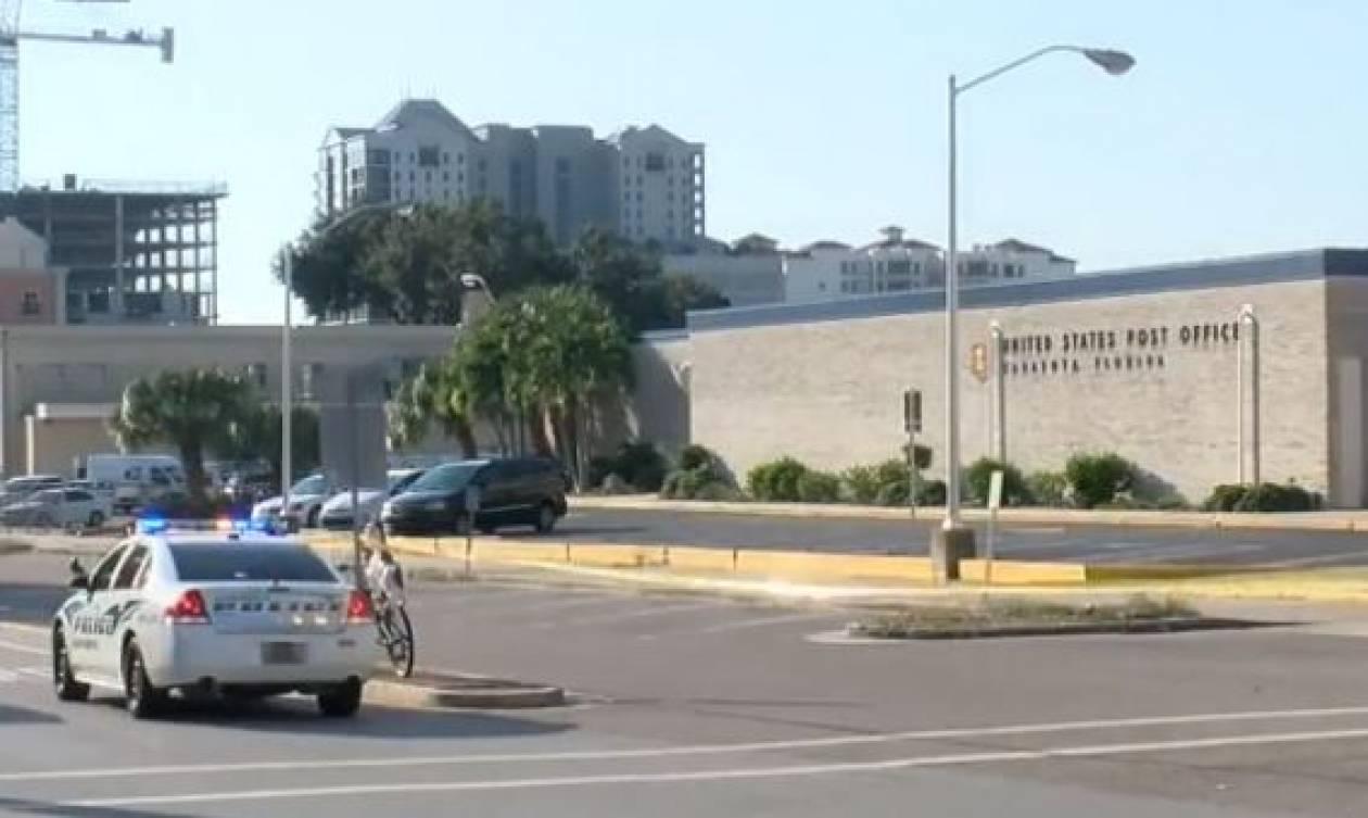 Πανικός στη Φλόριντα από ύποπτα πακέτα έξω από ταχυδρομείο (vid)